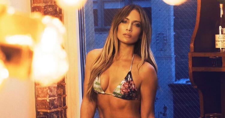Captan a Jennifer López sin tanga y se mete en problemas por actuar sin ropa interior