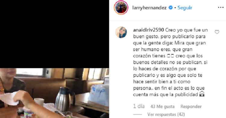 Críticas a Larry Hernández por su gesto con la mesera en un restaurante IHOP