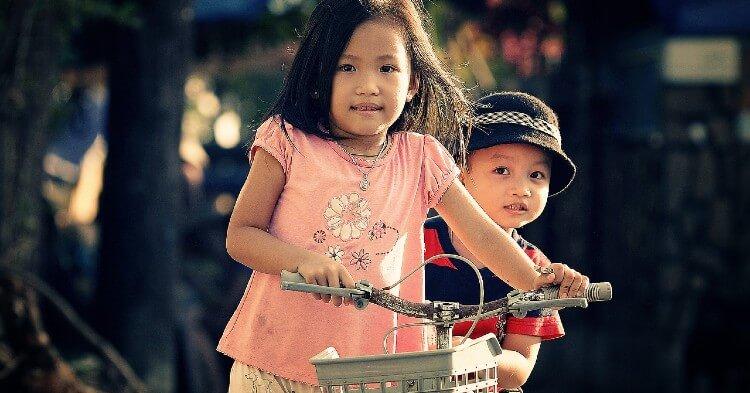 Estudios revelan que los hermanos mayores son más inteligentes que los menores